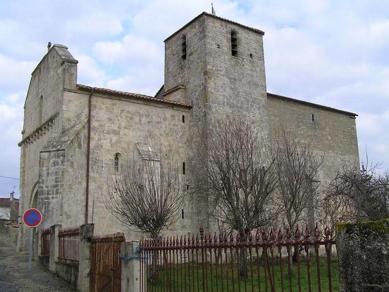 Architecture religieuse et militaire : Eglises fortifiées 000_0405