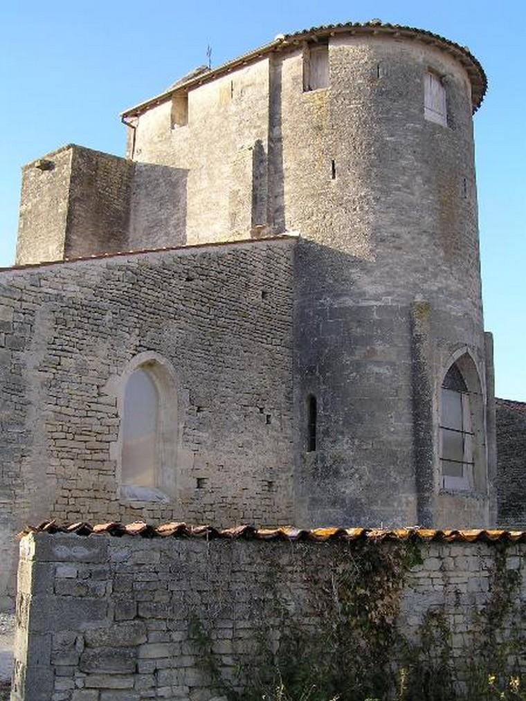 Architecture religieuse et militaire : Eglises fortifiées 000_0406