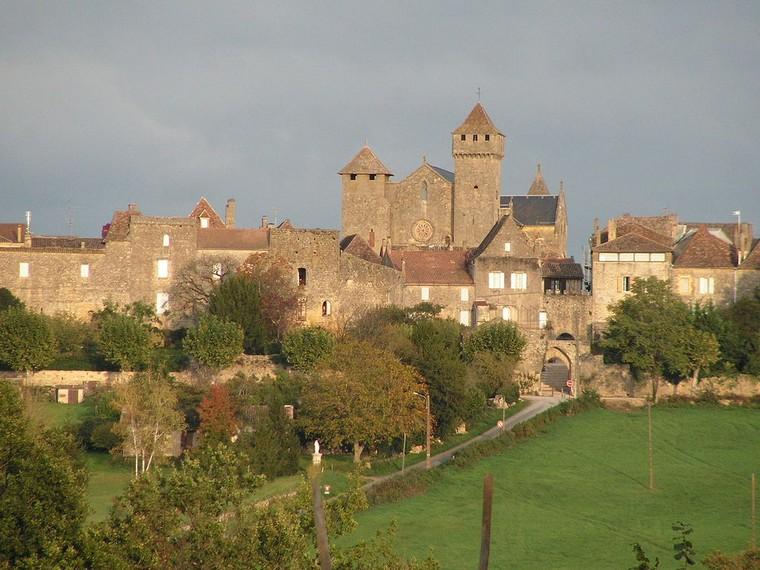 Architecture religieuse et militaire : Eglises fortifiées 000_0407