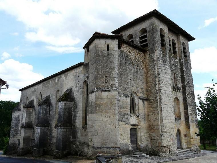 Architecture religieuse et militaire : Eglises fortifiées 000_0408