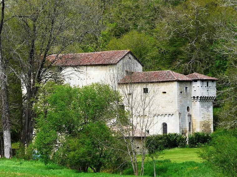 Architecture religieuse et militaire : Eglises fortifiées 000_0409