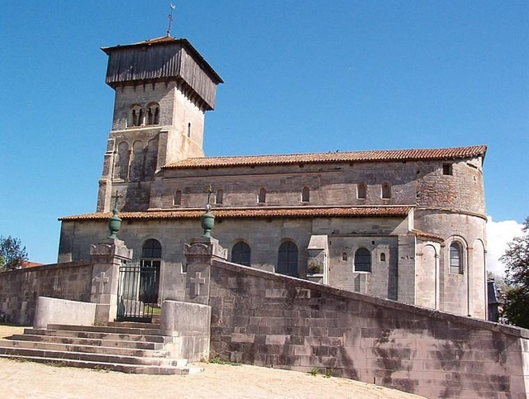 Architecture religieuse et militaire : Eglises fortifiées 000_0463