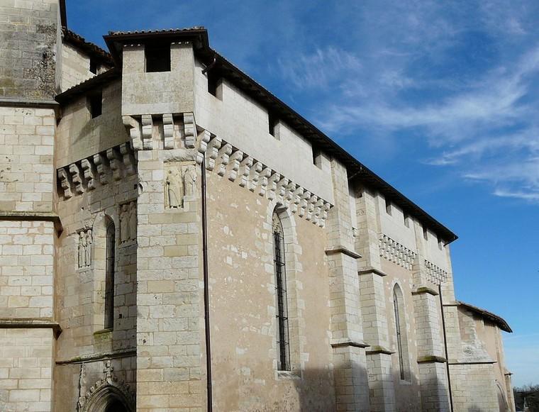 Architecture religieuse et militaire : Eglises fortifiées 000_0464