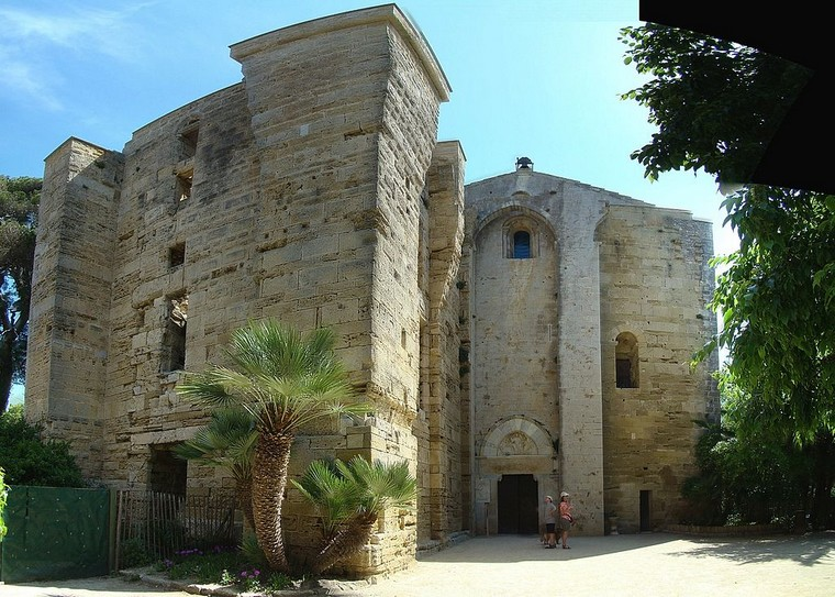 Architecture religieuse et militaire : Eglises fortifiées 000_0470