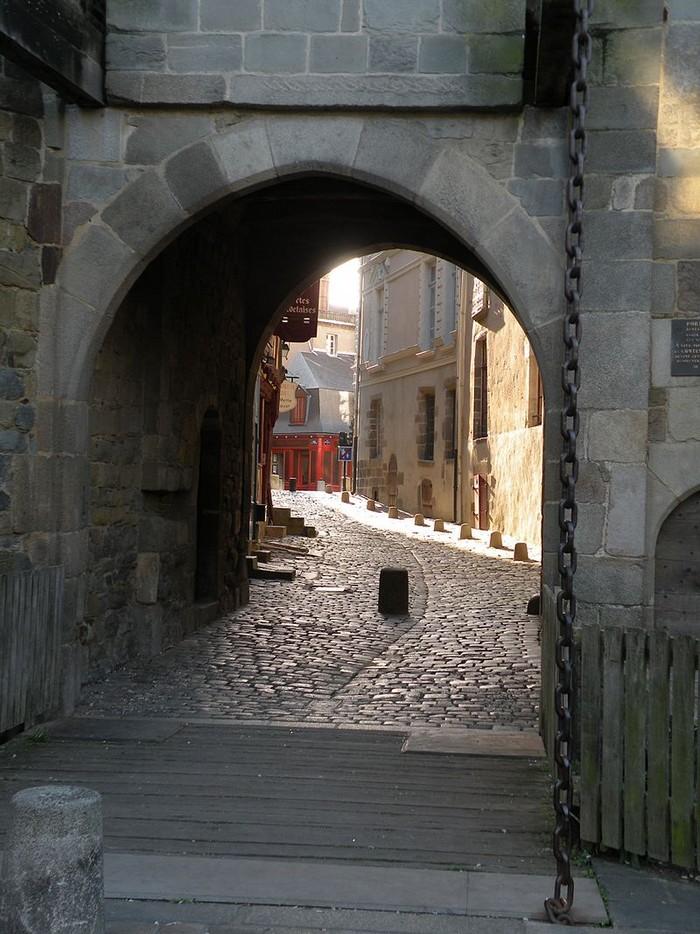 Portes de ville - Rennes : Porte mordelaise 000_0778