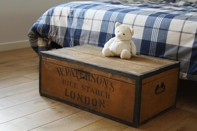 reproduction d 39 une caisse en pin avec l 39 inscription w paterson 39 s rice starch london. Black Bedroom Furniture Sets. Home Design Ideas