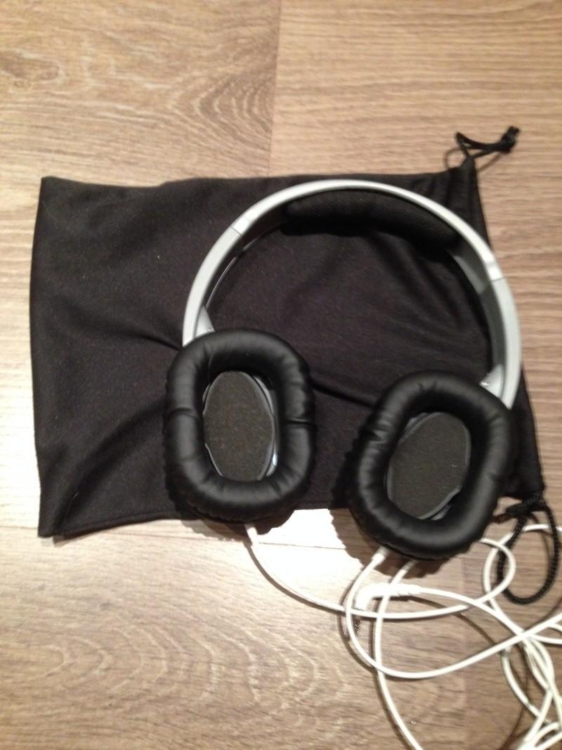 A vendre - Casque Panasonic - Suppression de bruit - 35€ 2015-014