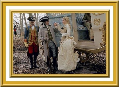 Marie Antoinette avec Kirsten Dunst (Sofia Coppola) - Page 2 1573010