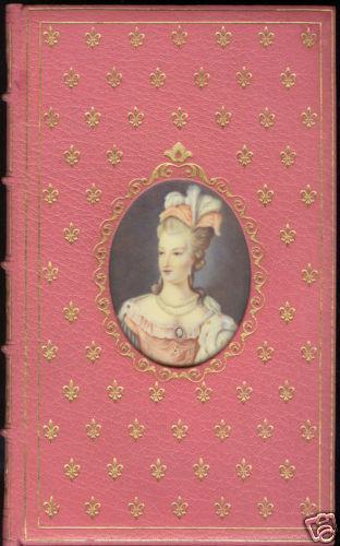 A vendre: miniatures de Marie Antoinette et de ses proches Bjeunq10