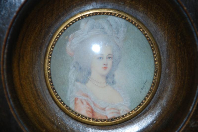A vendre: miniatures de Marie Antoinette et de ses proches - Page 4 T2ec1610