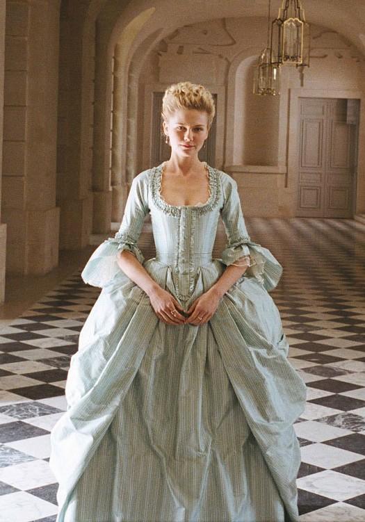 Marie Antoinette avec Kirsten Dunst (Sofia Coppola) - Page 2 Tumblr12