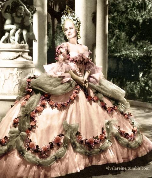 Marie Antoinette avec Norma Shearer (Van Dyke) - Page 8 Tumblr13