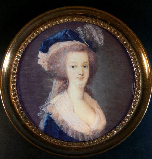 Marie-Antoinette au livre en robe bleue - Page 2 Zzzzz12