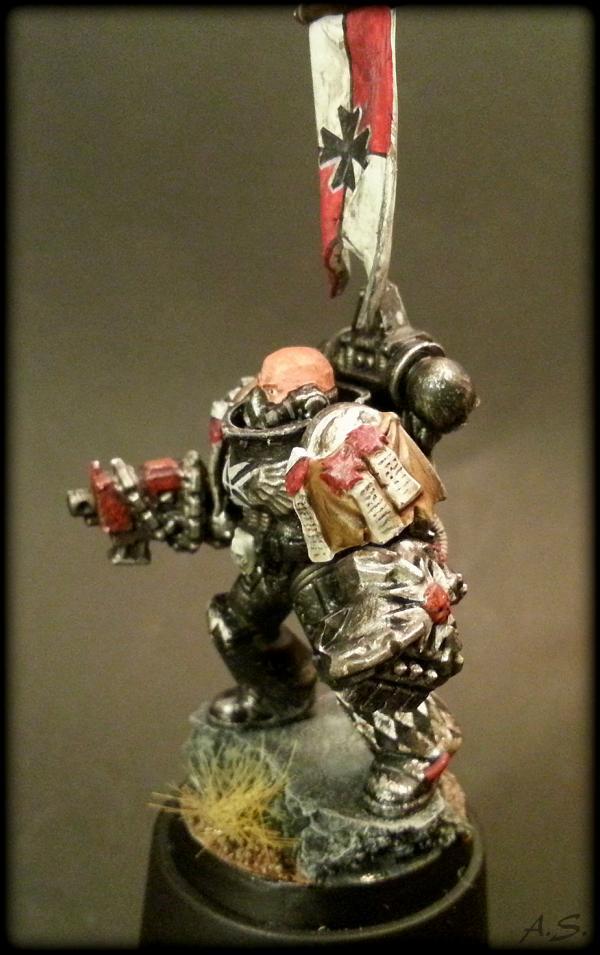 "Ehrwürdiger ""Black Templar"" Cybot *Loro*  K800_219"