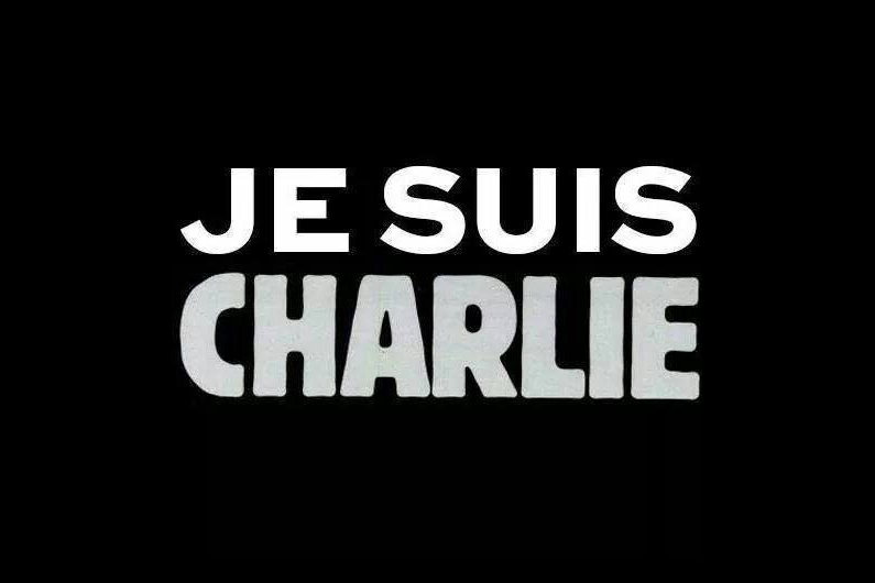 JE SUIS CHARLIE - Page 3 77761311