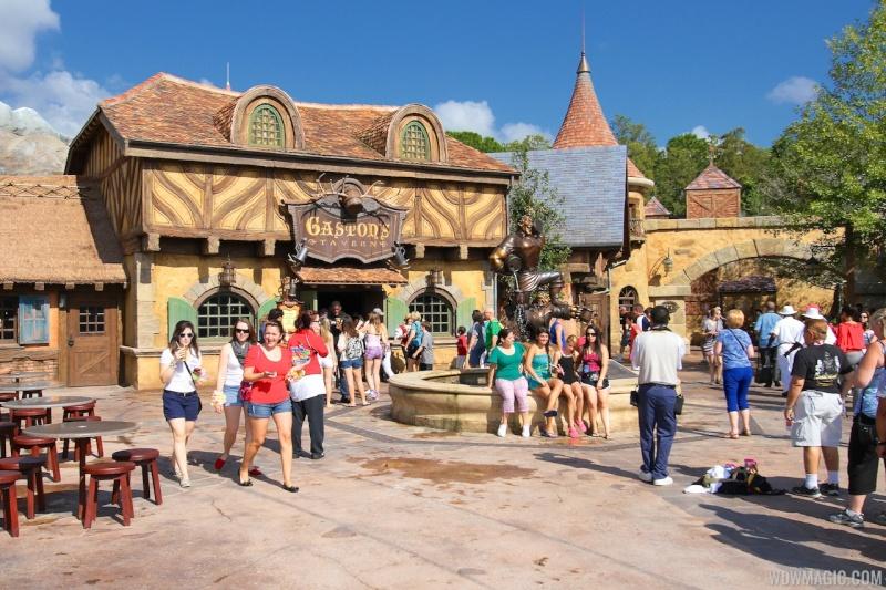 [18-31 octobre 2014] Voyage de noces à Walt Disney World et à Universal - Page 7 Gaston10