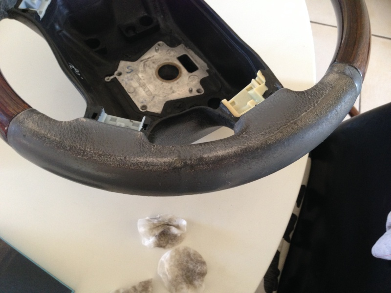 [TUTORIAL] Refection cuir d'un volant P38 Img_1922