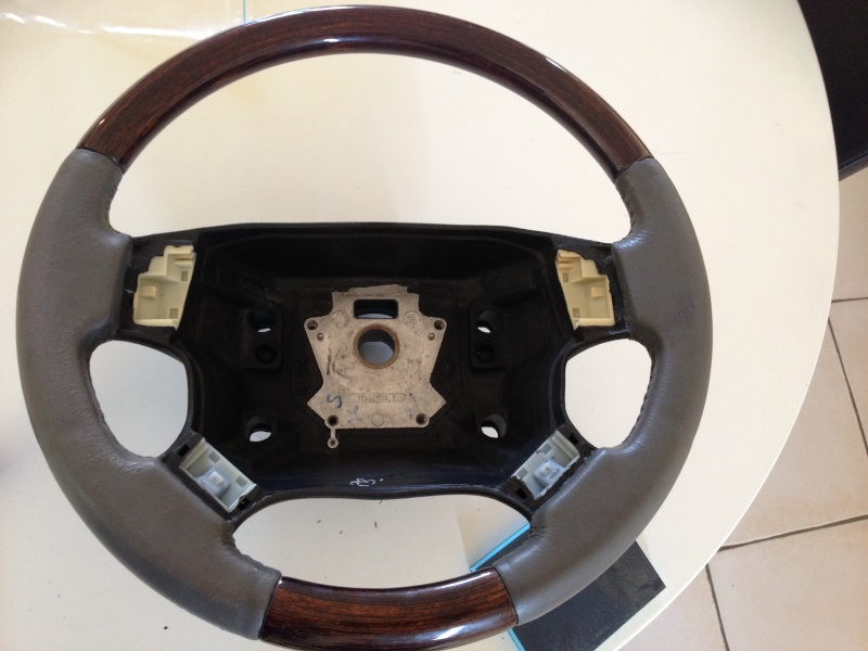 [TUTORIAL] Refection cuir d'un volant P38 Img_1923