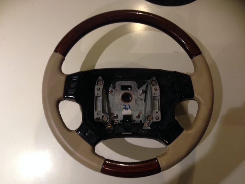 [TUTORIAL] Refection cuir d'un volant P38 Img_1931