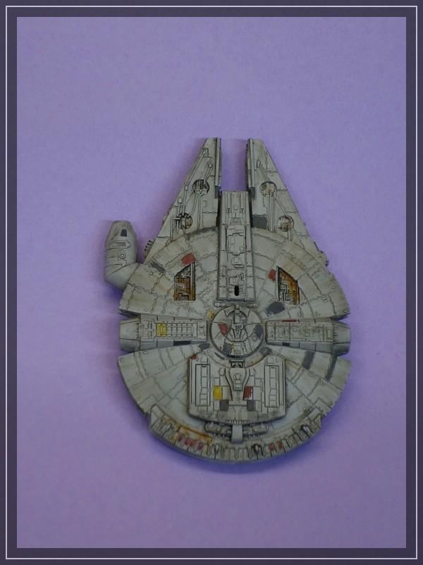 Star Wars Millenium Falcon (Maßstab unbekannt, aber verdammt klein) Comp_d22