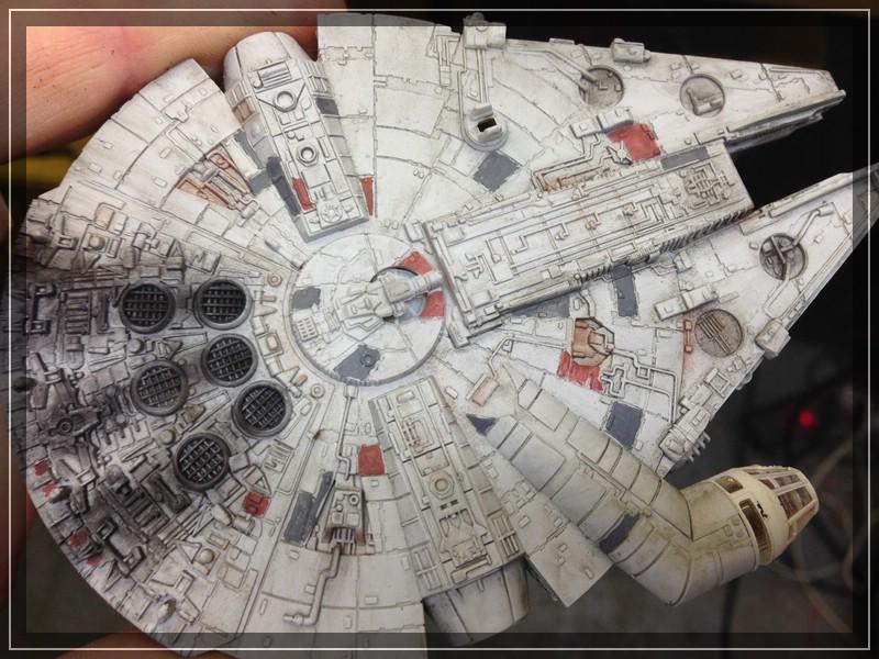 Star Wars Millenium Falcon (Maßstab unbekannt, aber verdammt klein) Comp_i70