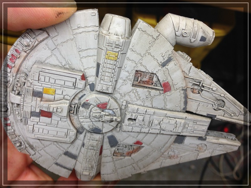 Star Wars Millenium Falcon (Maßstab unbekannt, aber verdammt klein) Comp_i71