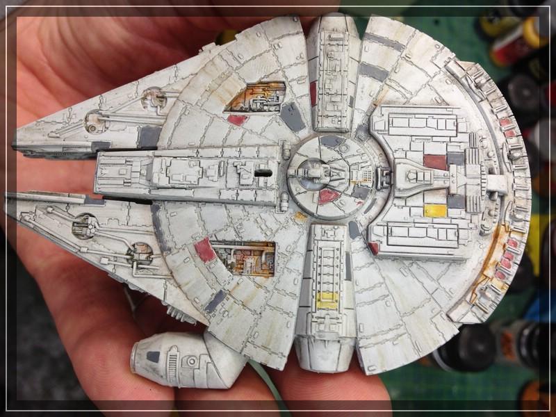Star Wars Millenium Falcon (Maßstab unbekannt, aber verdammt klein) Comp_i76