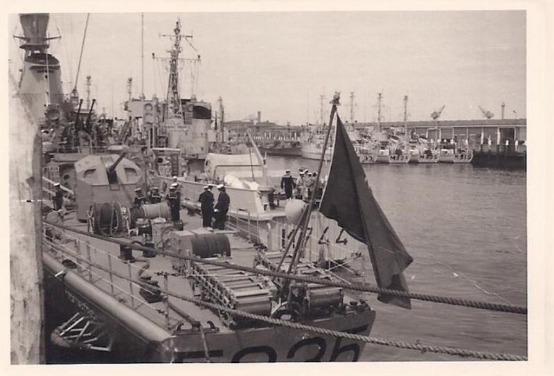Les 26 drageurs de mines côtiers 'MSC' de la Marine belge Breden10