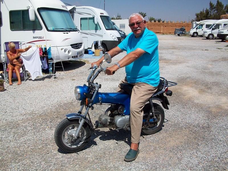 Moto Charly 100_3911