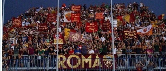 Salut supporters de l'AS Rome ! 10450110