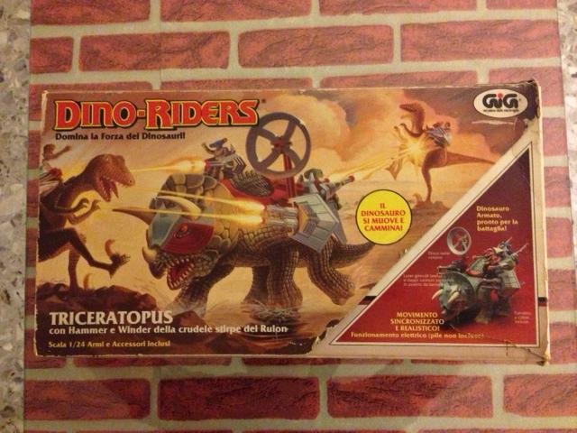 dino riders - DINO RIDERS TRICERATOPUS MIB GIG - € 150 Tricer12