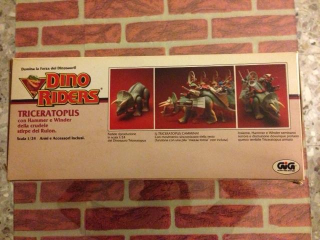 dino riders - DINO RIDERS TRICERATOPUS MIB GIG - € 150 Tricer15