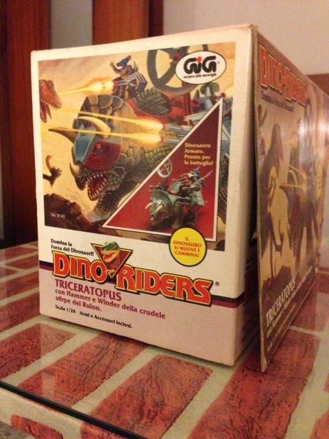 dino riders - DINO RIDERS TRICERATOPUS MIB GIG - € 150 Tricer17