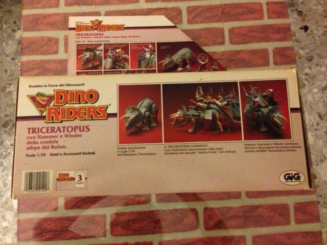 dino riders - DINO RIDERS TRICERATOPUS MIB GIG - € 150 Tricer18