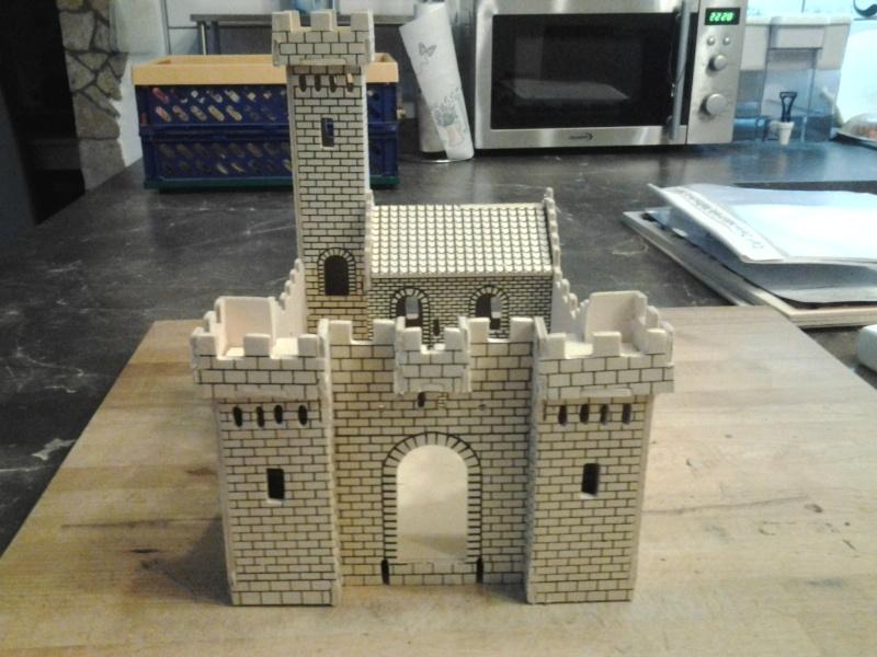 Burg aus Holz zur kompletten Überarbeitung 2015-011