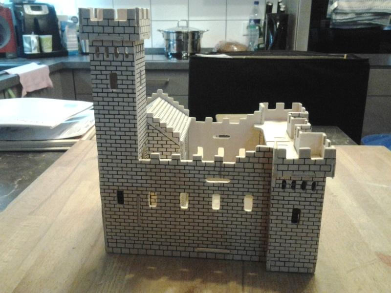 Burg aus Holz zur kompletten Überarbeitung 2015-012
