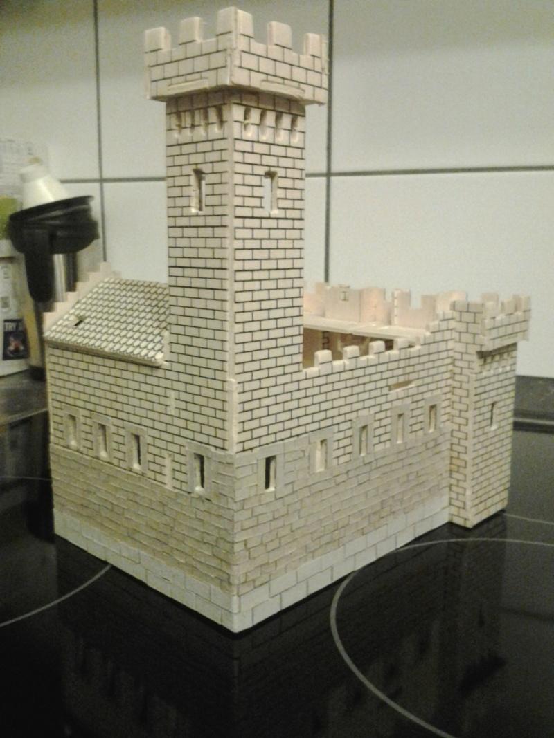 Burg aus Holz zur kompletten Überarbeitung 2015-016