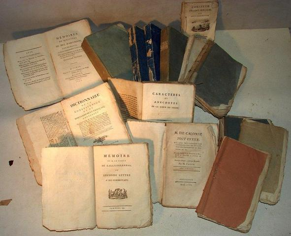 A vendre: livres sur Marie-Antoinette, ses proches et la Révolution - Page 2 03a51910