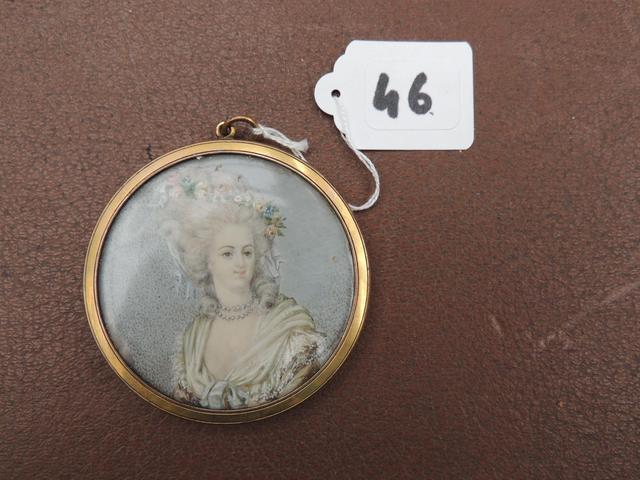 A vendre: miniatures de Marie Antoinette et de ses proches - Page 5 0f72de10