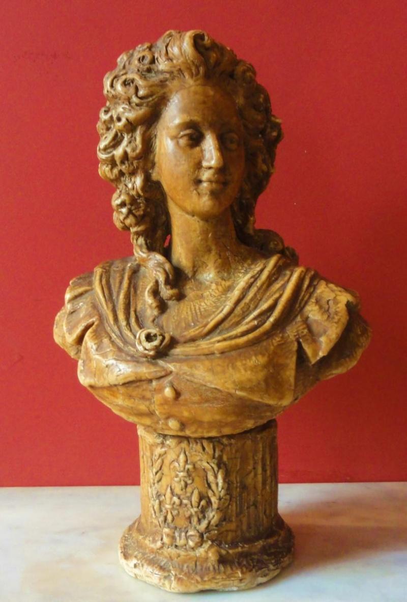 A vendre : buste de Marie-Antoinette ou de Mme Elisabeth ? 10025010