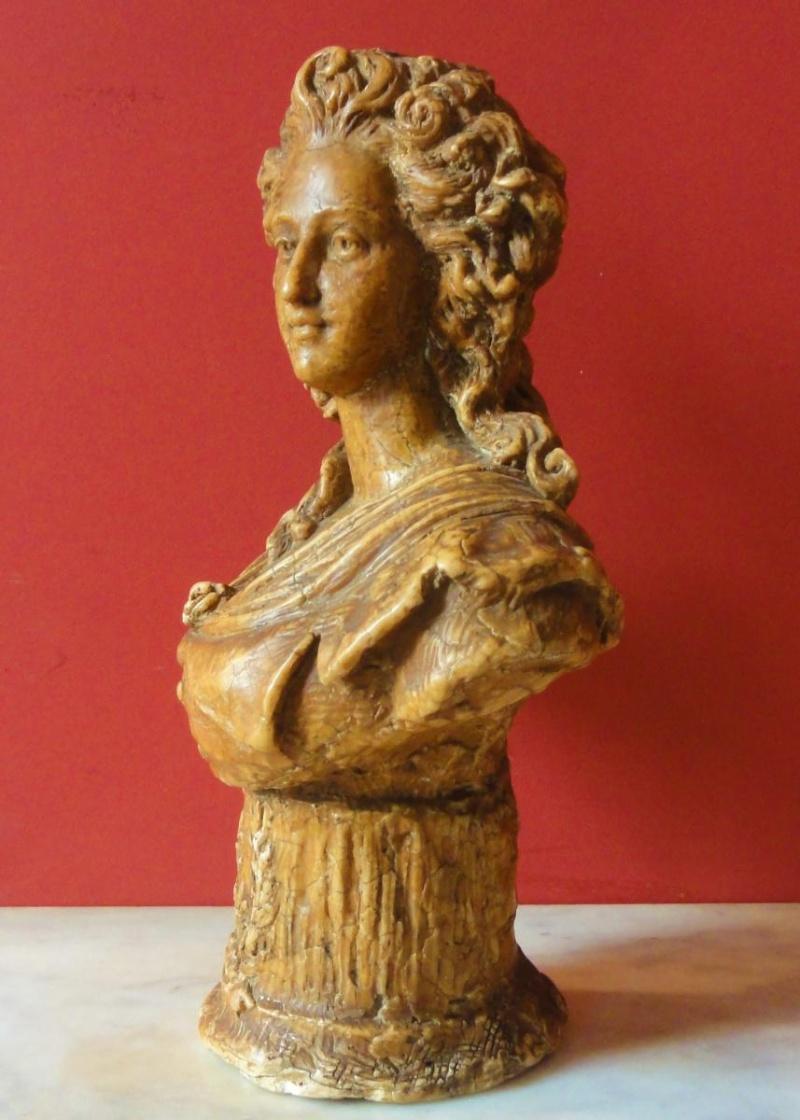 A vendre : buste de Marie-Antoinette ou de Mme Elisabeth ? 10025011