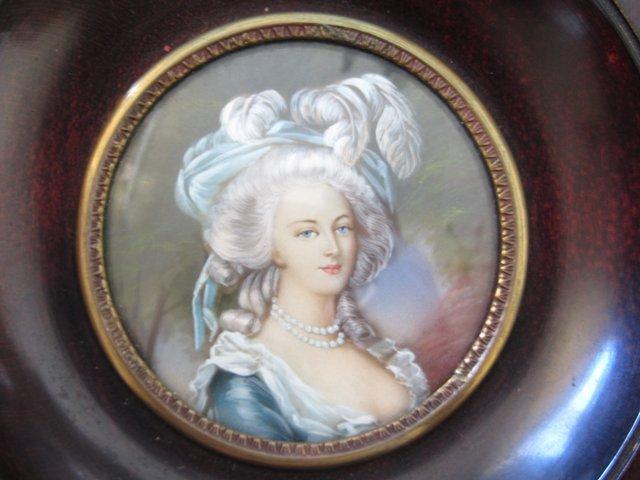 A vendre: miniatures de Marie Antoinette? - Page 2 32316510