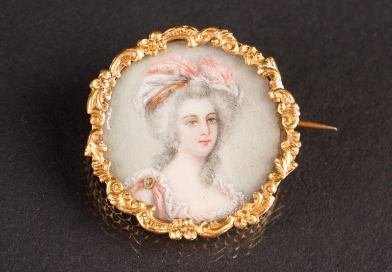 A vendre: miniatures de Marie Antoinette et de ses proches - Page 4 34538810