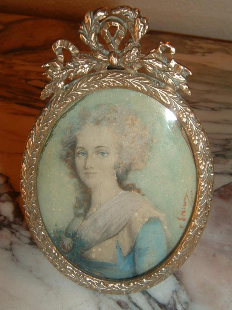 A vendre: miniatures de Marie Antoinette et de ses proches - Page 4 96650-10