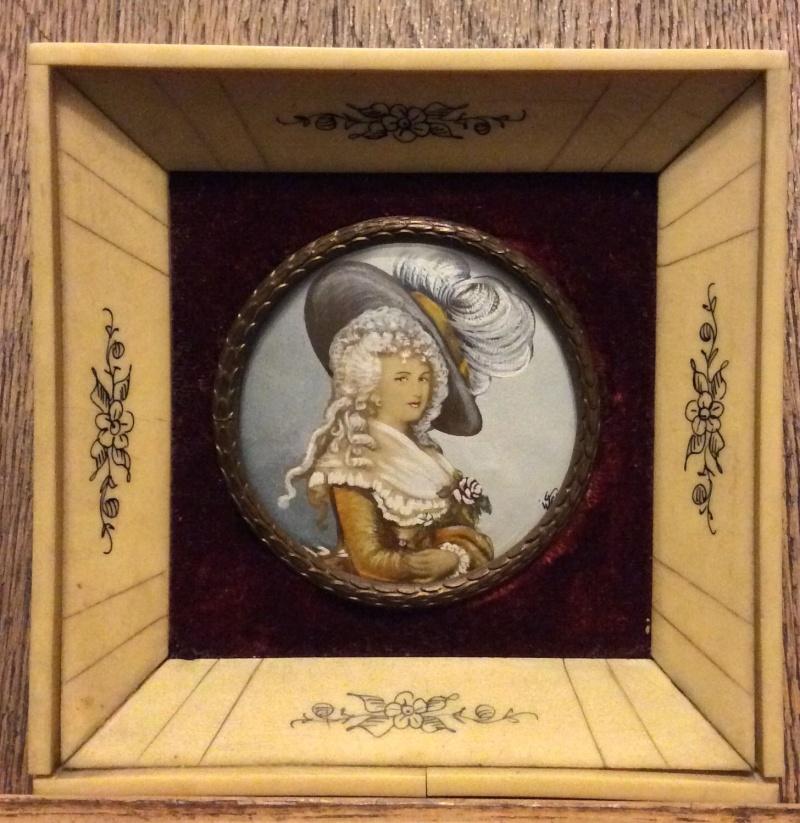 A vendre: miniatures de Marie Antoinette? - Page 2 _5718
