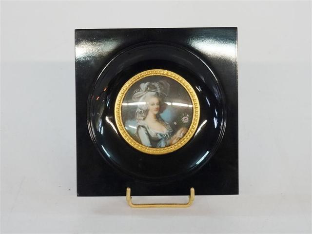 A vendre: miniatures de Marie Antoinette et de ses proches - Page 5 B8c60b10