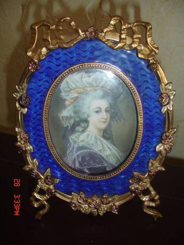 A vendre: miniatures de Marie Antoinette et de ses proches - Page 5 Bzbot010