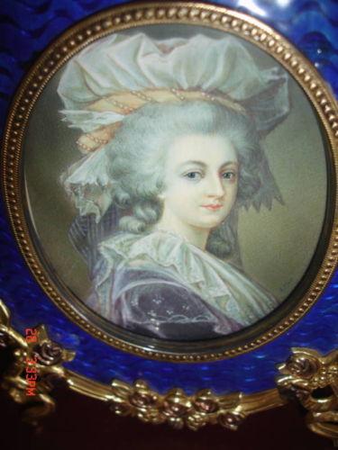 A vendre: miniatures de Marie Antoinette et de ses proches - Page 5 Bzbov110