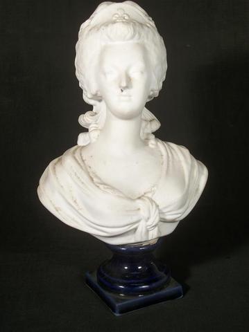 A vendre: bustes de Marie Antoinette? - Page 2 C9b79c10