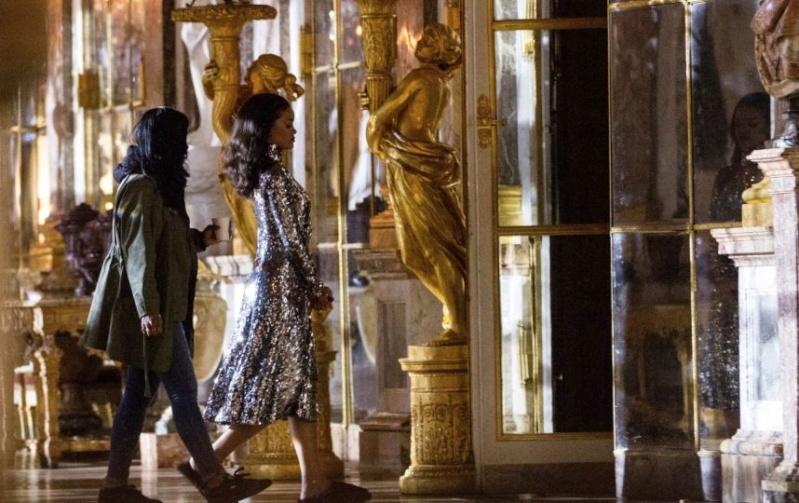 Rihanna en shooting au Château de Versailles Captur12